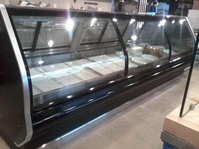 24 ft deli & meat case run curve glass r
